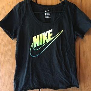🌼 3/$25 Black Nike Swoop Neck Top